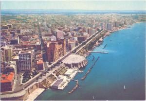 Taranto dall'alto, negli anni 60.